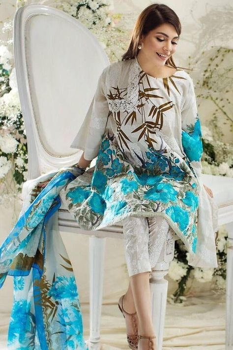 Beautiful Designer Lawn Dress by Sana Safinaz 3 Piece Embroidered & Printed Lawn Suit