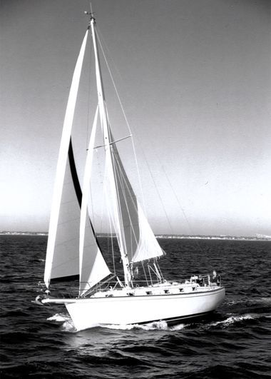 40 Best Sailboats, Types of Sailboats & Manufacturers in
