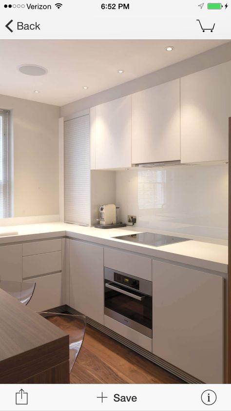 kuche-u-form-klein-weiss-minimalistisch-kleiner-kuechentresen - ikea küchen planen