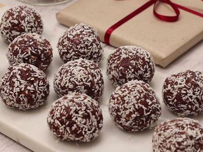 Easy Chocolate And Condensed Milk Truffles Recipe Truffle Recipe Easy Condensed Milk Recipes Easy Truffle Recipe