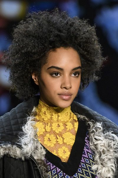 Vivienne Tam, Fall 2018 - The Most Dazzling Hair and Beauty Details From NYFW Fall 2018 - Photos