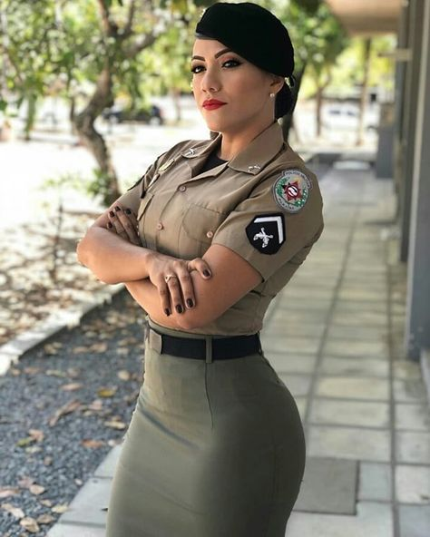 Do you love to see Women wearing tight skirts? You are at the right place. Exclusive Content you probably will not find .