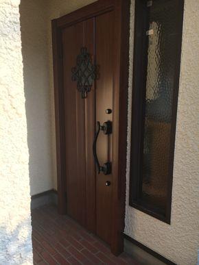 バリエーションがありますので お好みのドアを選んでいただけます