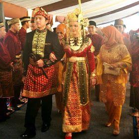 Baju Adat Kalimantan Barat Adalah