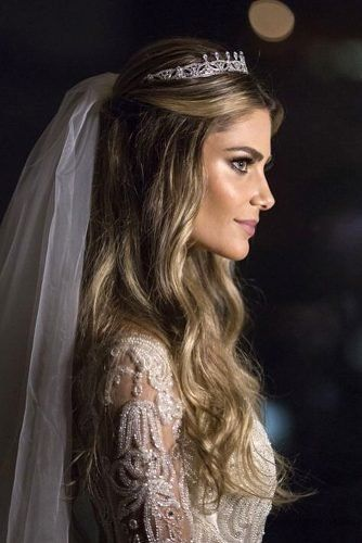 Half Up Half Down Wedding Hairstyles Ideas Half Up Half Down Wedding Hairstyles With Tiara And Veil O In 2020 Bridal Hair Half Up Wedding Hair Down Wedding Hair Half