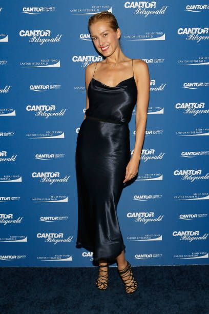 Model Petra Nemcova Participates In Annual Charity Day Hosted By Cantor Fitzgerald Bgc And Gfi At Cantor Fitzgerald On September 11 2 With Images Petra Nemcova Petra Style