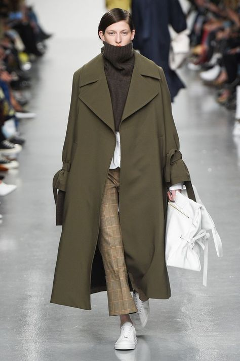 Eudon Choi Fall 2017 Ready-to-Wear Fashion Show - Winter Outfits