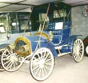 1909 Enger High Wheeler The Enger Motor Car Co Cincinnati Ohio 1909 1917 The First Enger Was A Two Cylinder High Wheeler Followed Motor Car Car Automobile