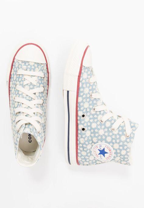 592 Pins zu Docs & Chucks für 2020 | Schuhe, Converse und