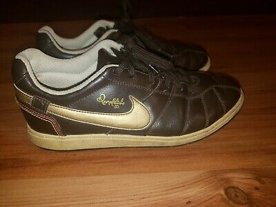 Leather soccer cleats, Soccer shoes indoor