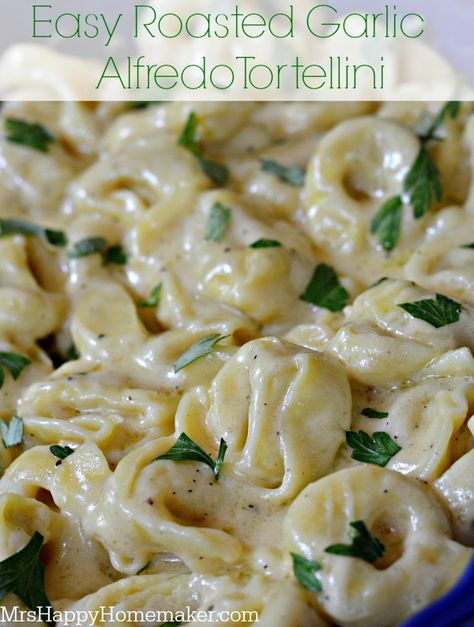 Easy Roasted Garlic Alfredo Tortellini. I can't stress the EASY portion of this dish enough.  And boy, it's out of this world delicious! #pantryinsiders #pasta #recipe #easyrecipe #pompeian
