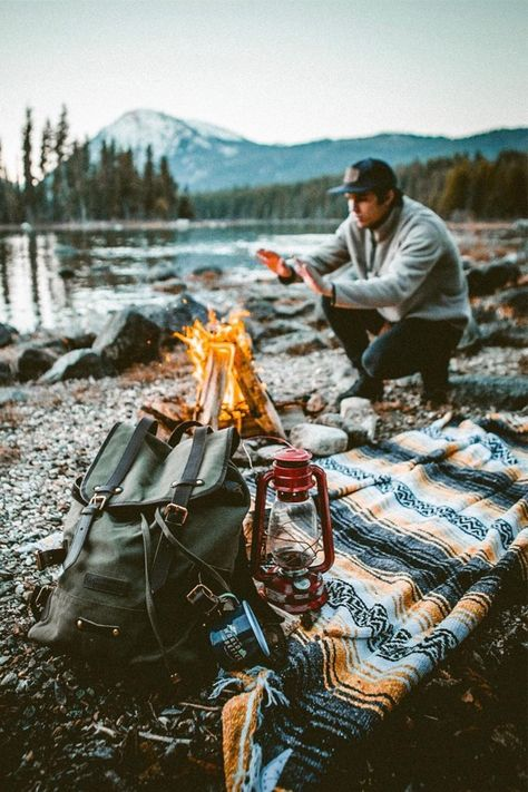 Looking for insiration on your next camping adventure this year? Check out these campsites that will inspire you with those camp vibes for your next trip! Suv Camping, Camping Hacks, Camping Theme, Camping Survival, Camping And Hiking, Camping Life, Outdoor Camping, Camping Signs, Camping Kitchen