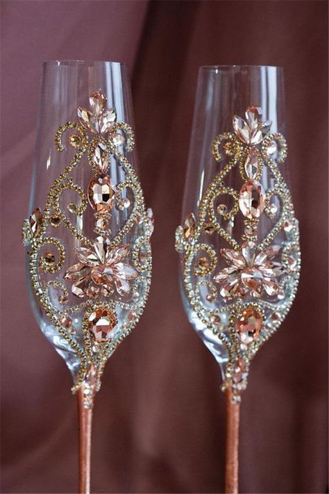 Discover thousands of images about Rose Gold Wedding Champagne Flutes Wedding Glasses Rose Gold Wedding Wine Glasses, Wedding Champagne Flutes, Champagne Glasses, Gold Champagne, Elegant Wedding, Rustic Wedding, Trendy Wedding, Deco Rose, Decorated Wine Glasses