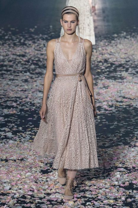 0004e5d66c4beb Christian Dior, Primavera/Verano 2019, París, Womenswear | Cosas que ...