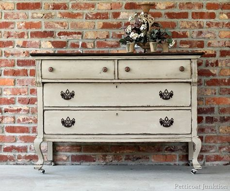painted furniture tutorial from petticoat junktion how to get this look