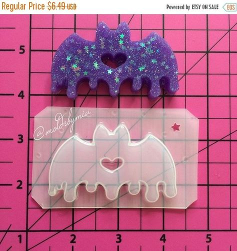 Drippy Love Bat Flexible Plastic Mold For Size Please Check The Background Squares Each Darker Square Represents 1 You Can Use My Molds Resin