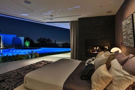 A Luxurious Residence in Beverly Hills, California