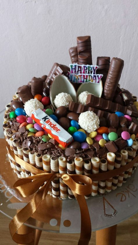 My homemade chocolate cake for lil sisters seventeen birthday #homemade #cake#Birthday#cakes
