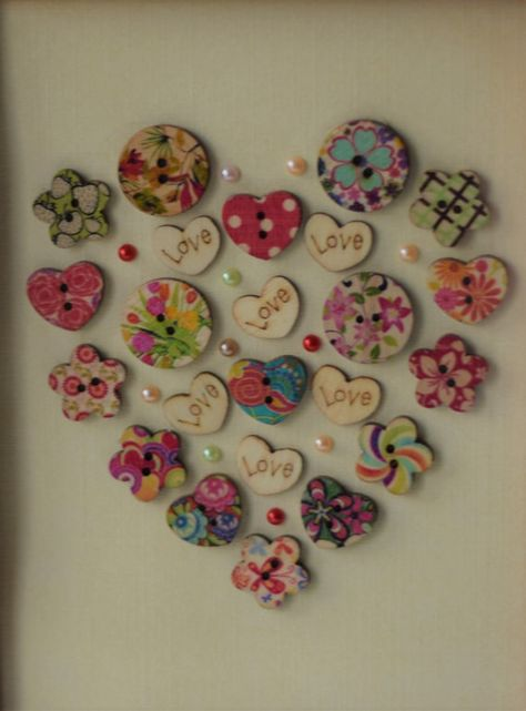 Love heart - vintage-framed gift hand-made Button Artwork, Wall art, Button art Valentine Decorations, Valentine Crafts, Button Crafts, Button Art Projects, Craft Projects, Crafts To Sell, Diy Crafts, Felt Crafts, Button Bouquet