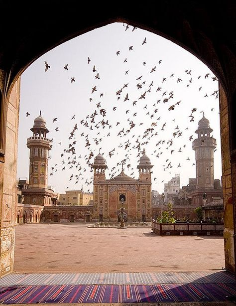 Wazir Khan Mosque in Lahore, Pakistan (by Waheed Khalid). Mashallah!