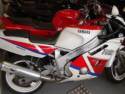 Grand and very collectable 1990 Yamaha Genesis in red and