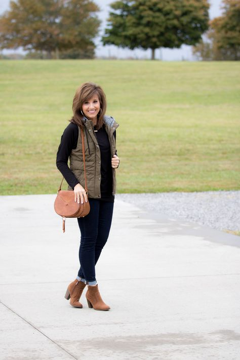 A Hooded Vest for Fall - Cyndi Spivey