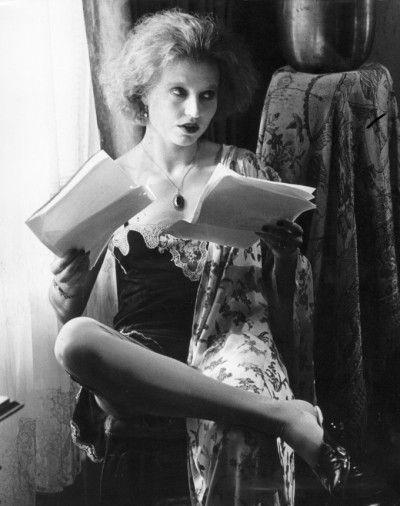 Una Lady Italiana Hanna Schygulla As Eva In Berlin Alexanderplatz Directed By Rainer Werner Fassbinder 1 Beautiful Girl Body Picture Movie Iconic Movies