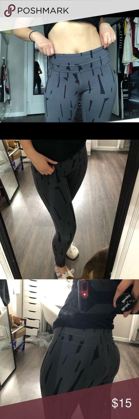dbf280ef19 Grey/black Lucy leggings Lined pattern Dark grey/black Full length fit  Super comfy
