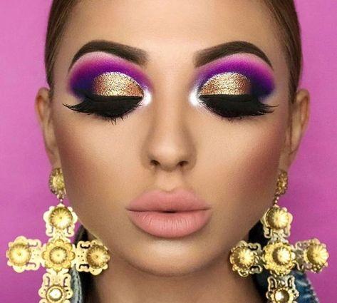 #maquillajeglitter Brilla con el maquillaje glitter de verano Escamas, lentejuelas, escarcha, toda clase de brillo y luminosidad, eso y más es el maquillaje glitter que te hará resplandecer este verano.  #fashioneate #glittermakeup #maquillajedeverano #summermakeup #makeup #makeuptrends