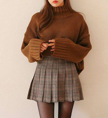 Korean winter outfits, skirt outfits for winter, mini skirt outfits, korean fashion fall Mode Outfits, Fashion Outfits, Fashion Clothes, Women's Fashion, Fashion Ideas, Dress Fashion, Fashion Trends, Dress Outfits, Fashion 2018