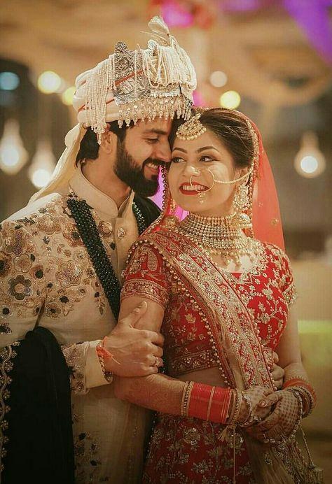 Wedding Couple Outfits Romantic 34 Ideas Indian Wedding Photography Poses Indian Wedding Poses Couple Wedding Dress