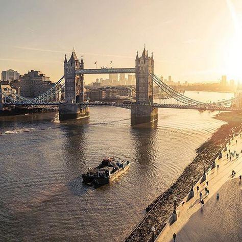 Holiday Vacation Selfcare Ideas L O C A T I N London United Kingdom