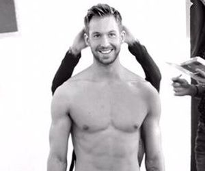 Who knew Calvin Harris had that bod under his shirt!The DJtook to Twitter on Tuesday afternoon to post one shockingly sexy shirtless photo from the…