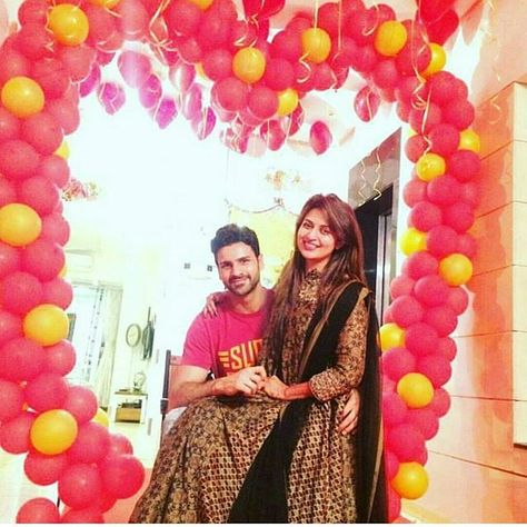 yhm Awwww latest pic of Divek...