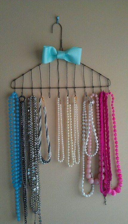 Jewerly Storage College Necklace Holder 28 Ideas For 2019 Necklaceholderwall Diy Jewelry Organizer Wall