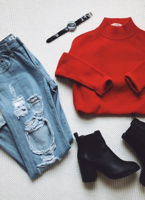 Get X'mas vibing with this comfy red sweater! - - Get X'mas vibing with this comfy red sweater! Get X'mas vibing with this comfy red sweater! Fall Winter Outfits, Autumn Winter Fashion, Christmas Outfits, Mode Outfits, Fashion Outfits, Fashion Tips, Fashion Trends, Denim Look, Sweatpants Outfit