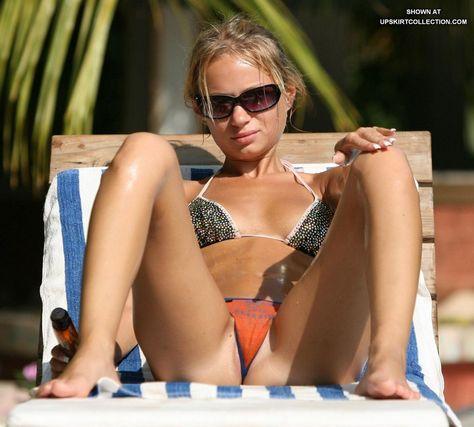 Voyeur beach girls