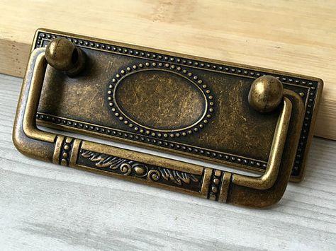 """Antique Brass Drop Handle 2 1//2/"""" Dresser Drawer Pull Furniture Hardware Vintage"""