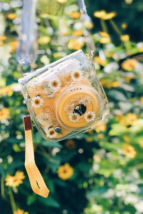 Acrylics acrylic paint Polaroid painting painted insta x instax Fujifilm Instax Mini, Instax Mini Camera, Instax Mini 8, Yellow Aesthetic Pastel, Flower Aesthetic, Aesthetic Collage, Spring Aesthetic, Aesthetic Objects, Aesthetic Grunge
