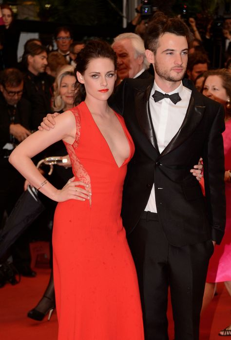 kristen and rob´s best friend tom.. love them :)) I like to think of Kristen as an honorary member of the