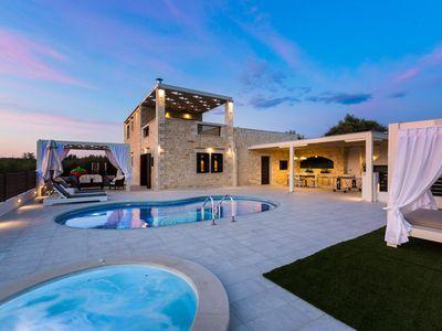 Caramel Villa Privater Pool Und Beheizter Whirlpool 5 Minuten Vom Strand Entfernt Whirlpool Ferienwohnung Villa