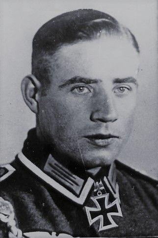 Oberwachtmeister Walter Beutler 1914 1995 Geschutzfuhrer In Der 3 Sturmgeschutz Abteilung 245 Ritterkreuz 13 08 1943 Ritterkreuz Soldaten Ritter