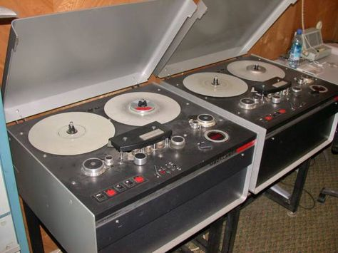 TESTED FT-2 0.1uF 200V 5/% SOVIET AUDIO TEFLON CAPACITORS NEW OLD STOCK//4PCS