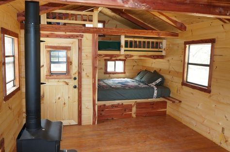 Amish Ish Cabins Very Creative Use Of A Small Cabin Space To Allow Somewhat Large Bunk Beds And Small Cabin Interiors Tiny Cabins Interiors Small Cabin Plans