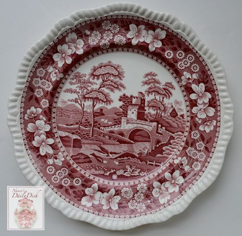 Spode Tower Dinner Plate Here is a vintage plate by Spode Copeland in the Tower pattern. It is the older version dating to the The design features a bridge, birds and Tower in the background.