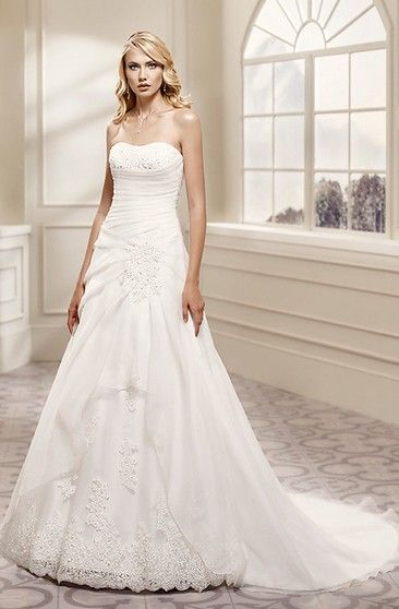 3e5f0fcedfe A-Line Strapless Appliqued Sleeveless Maxi Satin Wedding Dress With Draping