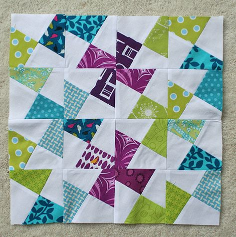 Love!  A little differant variation on the pinwheel.  Very cool,    Mooi voor een baby quilt