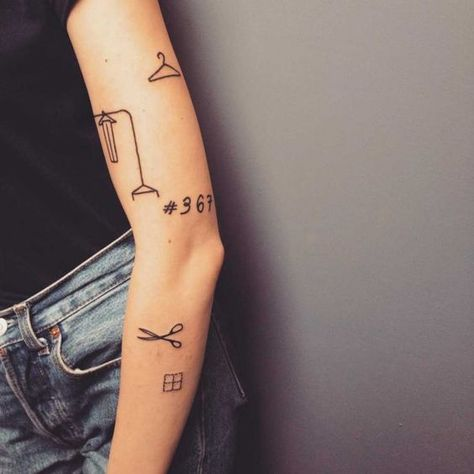 Tattoos; Back Tattoos; English Short Sentence Tattoos;Spinal Tattoos; Tattoos Quotes; Meaningful Tattoos; Creative Tattoos;Personalized Tattoos; Small Tattoos; Simple Tattoos; Neck Tattoos; Flower Tattoos; Animal Tattoos; Tattoos Fonts; Watercolor Tattoos;Sexy Tattoos; Fashion Tattoos