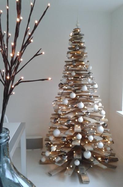 Kerstboom Gemaakt Van Pallethout Zelfgemaakte Kerstboom Kerst Ornament Versierde Kerstbomen
