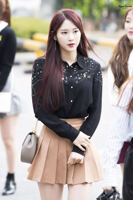 Netizens Mention That This Idol Is One Of The Most Underrated Kpop Beauties Oh My Girl Jiho Girl Fashion Style Arin Oh My Girl